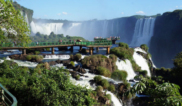 lado brasileño de las Cataratas del Iguazú