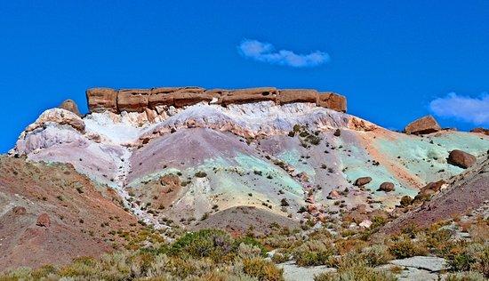 visita el cerro 7 colores en uspallata, lugares turisticos de mendoza