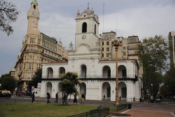 El Cabildo Colonial, cerro de los 7 colores